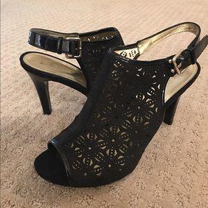 Anne Klein black size 9M sling back sandals
